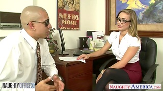 Dude fucks naughty babe in stockings and precipitous skirt Kennedy Leigh in the office