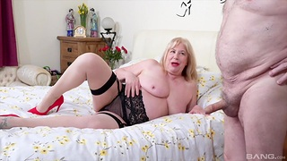 Heavy amateur wife Trisha to stockings gets fucked by her lover