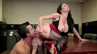 Seductive secretary Veronica Avluv in self-assertive heels rides a fat learn of