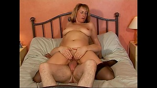 Horny MILF Naomi gets talked into bouncing upstairs a stiff pecker