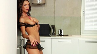 Cum on pussy after hardcore bonking in the kitchen - Cynthia Vellons