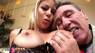 Mother I´d like to screw Alexis Fawx Squirts All Over Steve's Big Male Stick